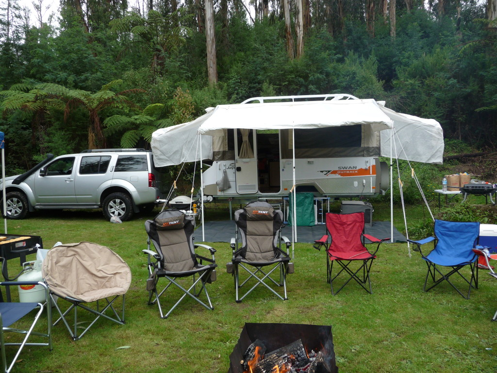 Oztent King Kokoda chairs compared against cheaper camp chairs