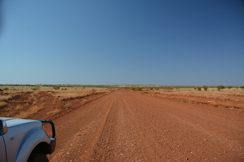 gravel tom price road_pilbara