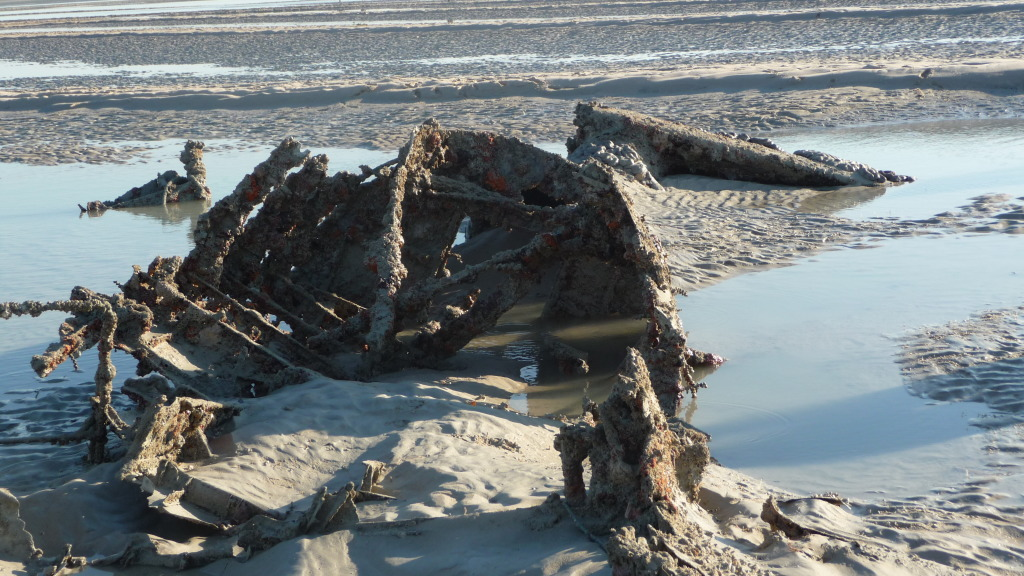 plane wreck broome hovercraft