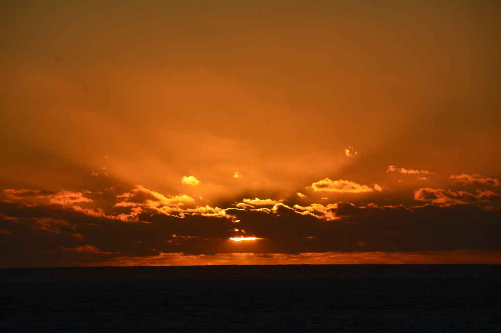 sunset ningaloo reef